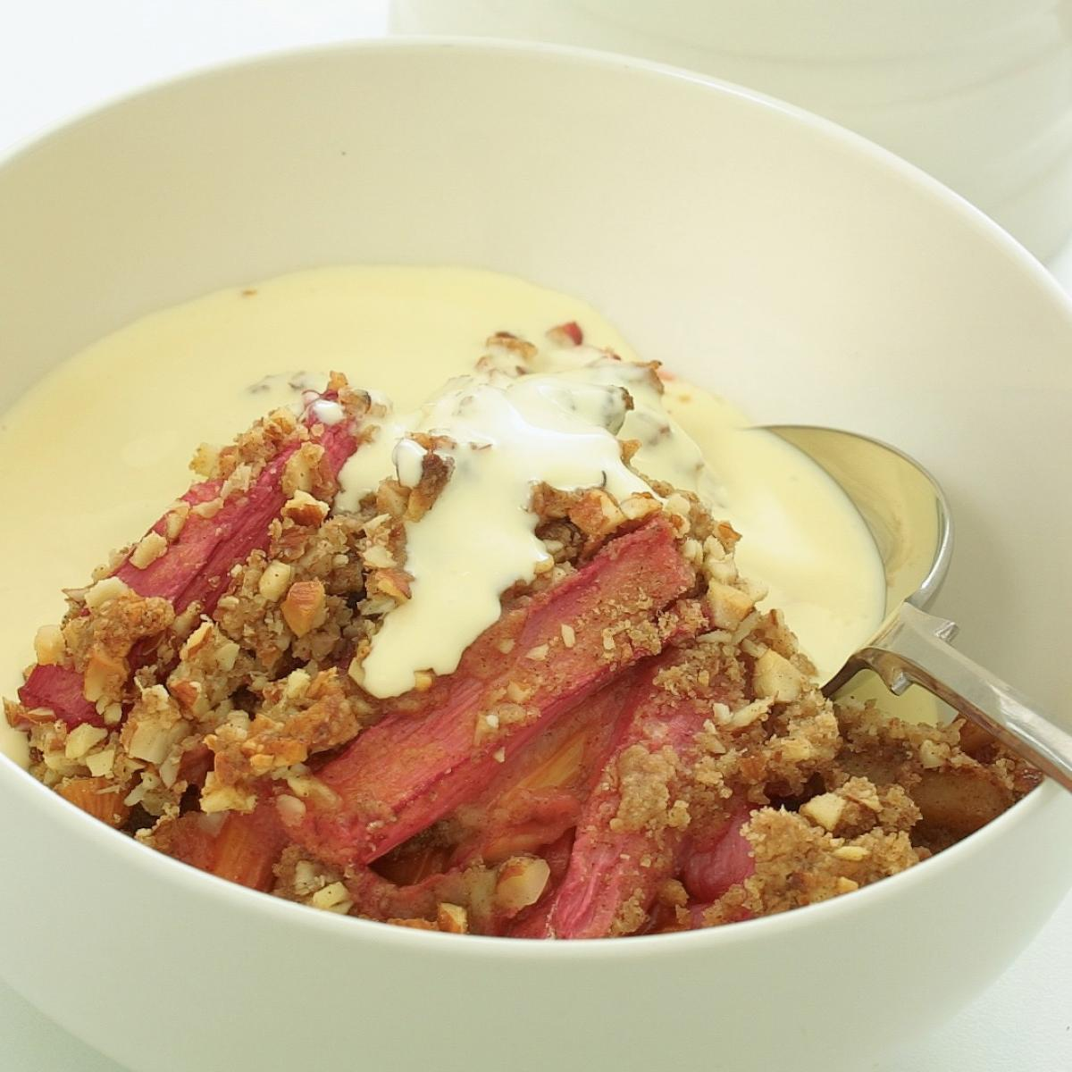Vegetarian rhubarb and almond crumble