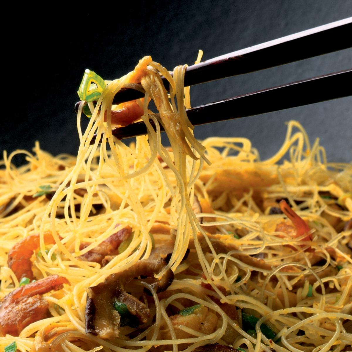 Winter singapore stir fried noodles